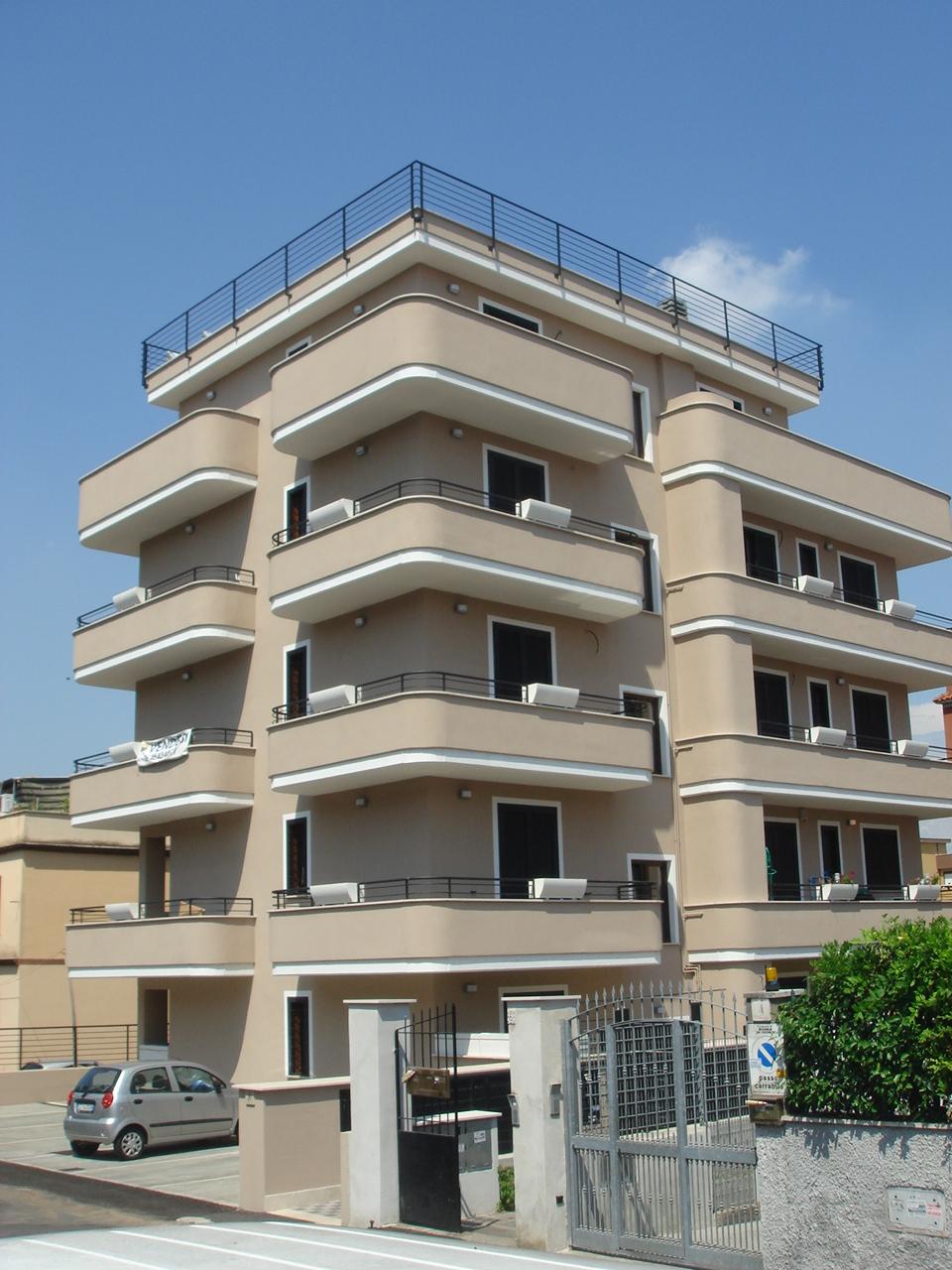 ROMA, VIA DELL'UVA N.8 – ALESSANDRINO –